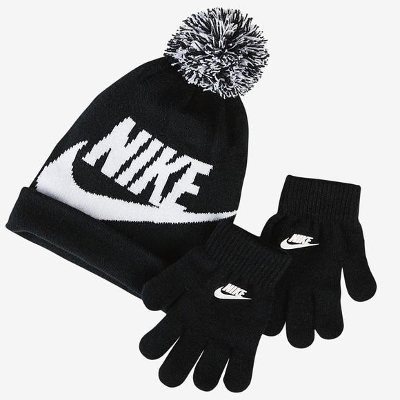 12111cef710 ... hat and gloves set. NWT. Nike. M 5a735d6731a376c6ed12b781.  M 5a735f7872ea88a40bc76246. M 5a735f0bd39ca2e7c8122ce1.  M 5a735f0a8af1c5e19679f6f0
